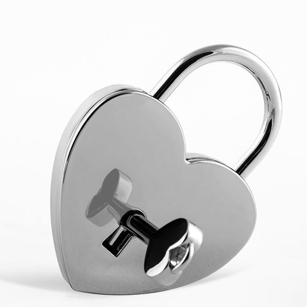 Cadenas d'amour argenté en forme de cœur